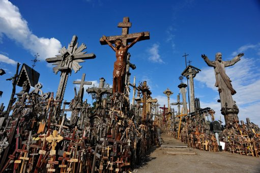hill-of-crosses-lithuaniajpg-397